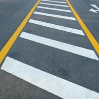 Zur Straßenmarkierung
